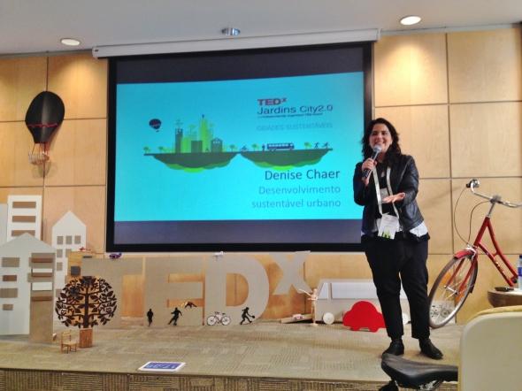 Palco TEDxjadinsCity Denise Chaer